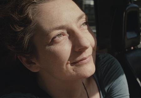 住在车里的女人  <Louise Wimmer>